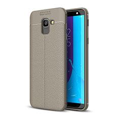 Silikon Hülle Handyhülle Gummi Schutzhülle Leder Tasche für Samsung Galaxy J6 (2018) J600F Grau