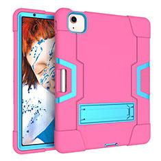 Silikon Hülle Handyhülle und Kunststoff Schutzhülle Hartschalen Tasche mit Ständer für Apple iPad Air 10.9 (2020) Pink